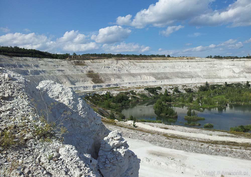 Заброшенный карьер цементного завода «Красный Октябрь»