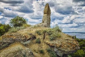 Эрозионный останец «Три монаха»