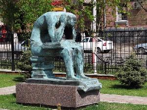 Скульптура «Ночь перед экзаменом»
